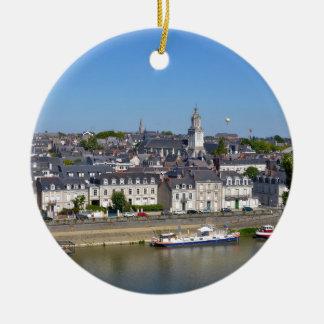 Ornamento De Cerâmica A cidade de irrita em France