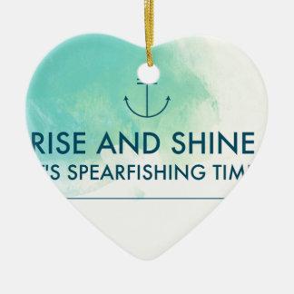 Ornamento De Cerâmica A elevação e brilha-o é tempo de Spearfishing