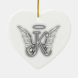 Ornamento De Cerâmica A letra inicial do alfabeto K do anjo voa o halo