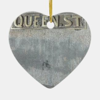 Ornamento De Cerâmica A rua da rainha… obtem seus direitos sobre!