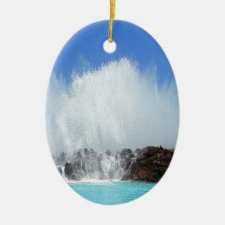 Ornamento De Cerâmica Água que bate rochas em Ilhas Canárias