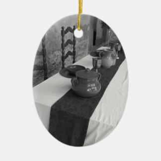 Ornamento De Cerâmica Ajustes da mesa para um banquete medieval do