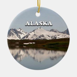 Ornamento De Cerâmica Alaska: Reflexões do lago das montanhas