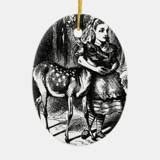Ornamento De Cerâmica Alice e uma jovem corça