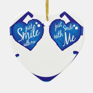 Ornamento De Cerâmica apenas sorria comigo, amor e glases