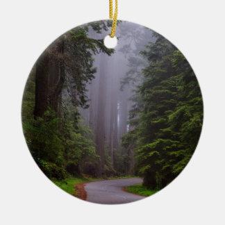 Ornamento De Cerâmica Árvores gigantes da sequóia vermelha, estrada de