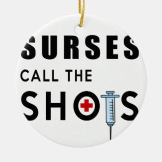 Ornamento De Cerâmica As enfermeiras chamam os tiros