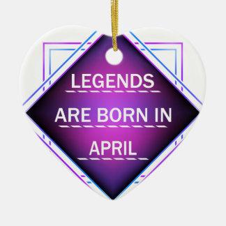 Ornamento De Cerâmica As legendas são nascidas em abril