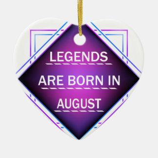 Ornamento De Cerâmica As legendas são nascidas em agosto