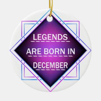 Ornamento De Cerâmica As legendas são nascidas em dezembro