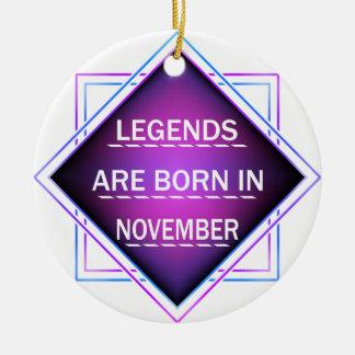 Ornamento De Cerâmica As legendas são nascidas em novembro