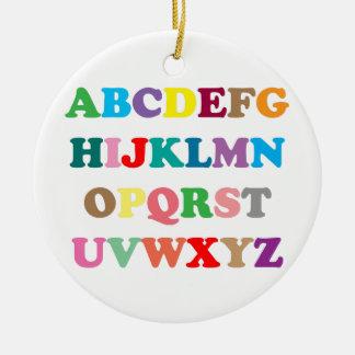 Ornamento De Cerâmica As letras coloridas de ABC