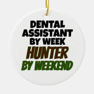 Ornamento De Cerâmica Assistente dental pelo caçador do dia em o fim de