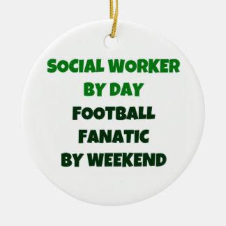Ornamento De Cerâmica Assistente social pelo fanático do futebol do dia