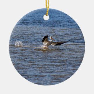 Ornamento De Cerâmica Aterragem do pelicano