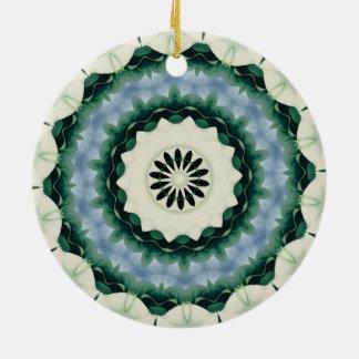 Ornamento De Cerâmica Azul Cerulean e mandala verde de Sacramento