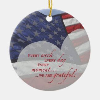 Ornamento De Cerâmica Bandeira patriótica do coração, apreciação militar