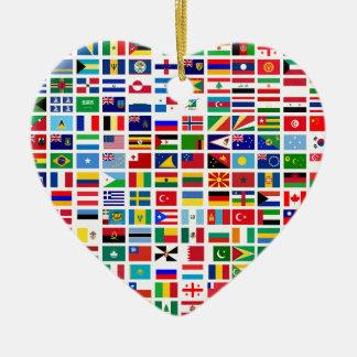 Ornamento De Cerâmica bandeiras do mundo contra o branco