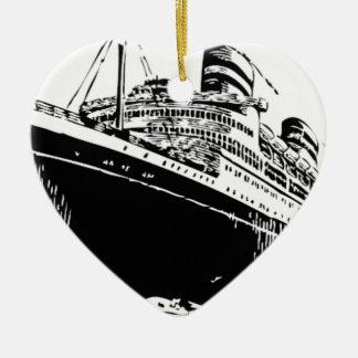 Ornamento De Cerâmica barco grande no mar