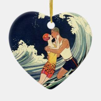 Ornamento De Cerâmica Beijo dos amantes do art deco do vintage nas ondas