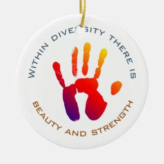 Ornamento De Cerâmica Beleza e força dentro da diversidade