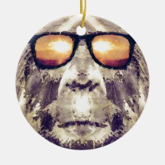 Ornamento De Cerâmica Bigfoot nas máscaras