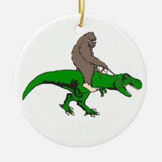 Ornamento De Cerâmica Bigfoot que monta T Rex