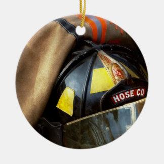Ornamento De Cerâmica Bombeiro - empresa uma da mangueira