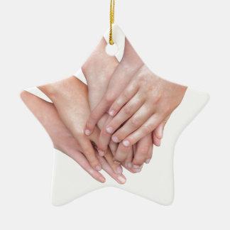 Ornamento De Cerâmica Braços das mãos das meninas em se