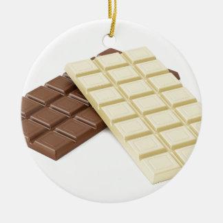 Ornamento De Cerâmica Brown e bares de chocolate brancos
