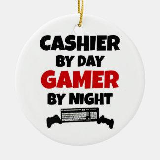 Ornamento De Cerâmica Caixa pelo Gamer do dia em a noite