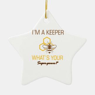 Ornamento De Cerâmica Camiseta do depositário da abelha