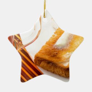 Ornamento De Cerâmica Caneca de chá e de brinde quente com manteiga