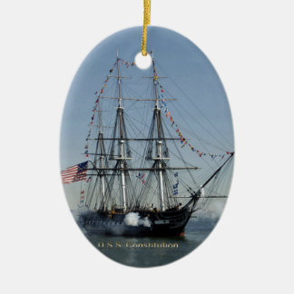 Ornamento De Cerâmica Canhões do acendimento da constituição de USS