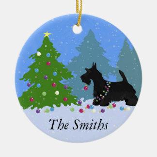 Ornamento De Cerâmica Cão de Terrier do Scottish que decora a árvore de