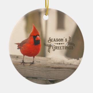 Ornamento De Cerâmica Cardeal bonito do feriado na neve