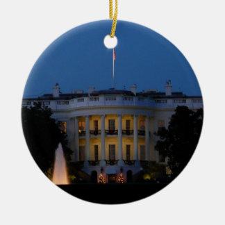 Ornamento De Cerâmica Casa branca do Natal na noite no Washington DC