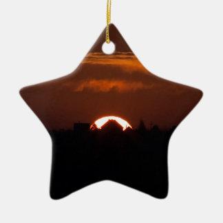Ornamento De Cerâmica Casa do Sun de queda