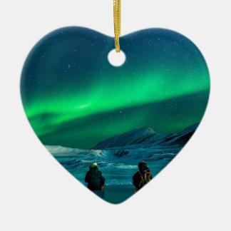 Ornamento De Cerâmica Casal verde da paisagem da aurora boreal