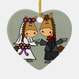 Ornamento De Cerâmica Casamento adorável dos noivos do cavalo