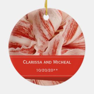 Ornamento De Cerâmica Casamento personalizado pétalas do Amaryllis