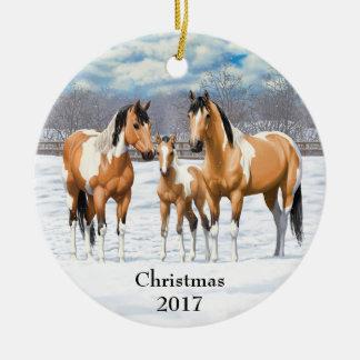 Ornamento De Cerâmica Cavalos pretos da pintura na neve