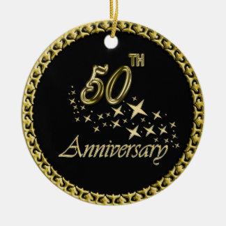 Ornamento De Cerâmica Celebração do ouro e do aniversário do preto 50th