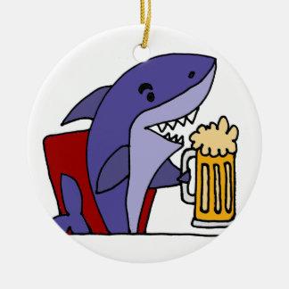 Ornamento De Cerâmica Cerveja engraçada do bebendo do tubarão