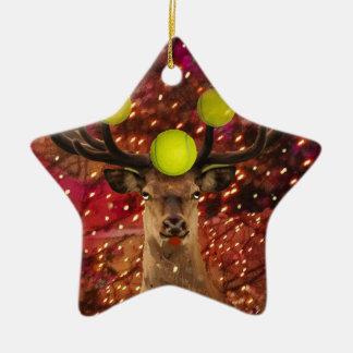 Ornamento De Cerâmica Cervos com bolas de tênis em uma floresta de