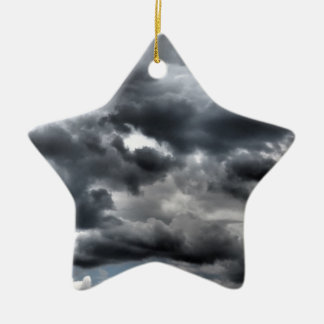 Ornamento De Cerâmica Céu sombrio