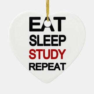 Ornamento De Cerâmica Coma a repetição do estudo do sono
