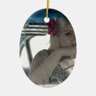 Ornamento De Cerâmica Conduzindo Doris