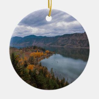 Ornamento De Cerâmica Cor da queda ao longo do desfiladeiro Oregon do