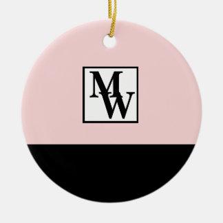 Ornamento De Cerâmica Cora chique cor-de-rosa e preto o monograma